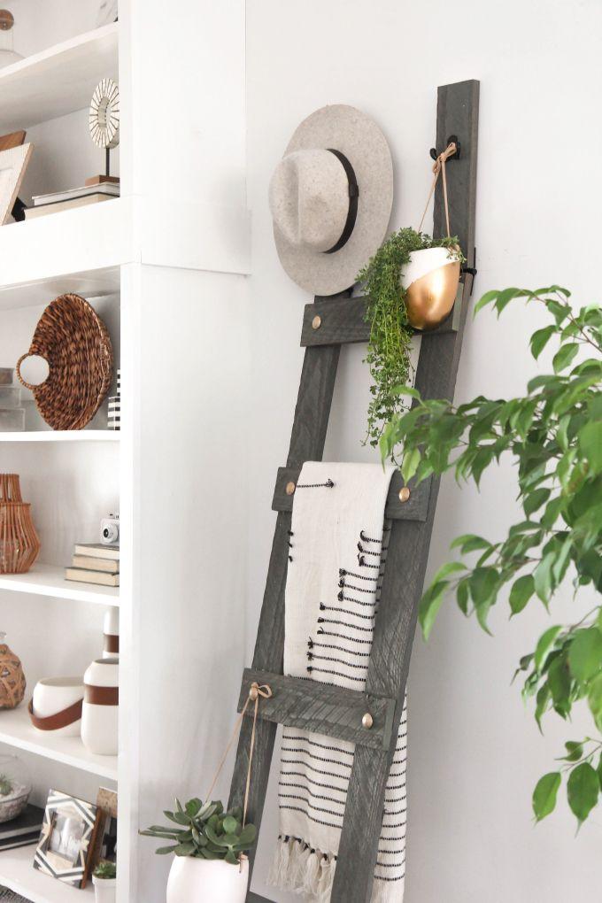 » MY DIY   Gold Bolt Blanket Ladder