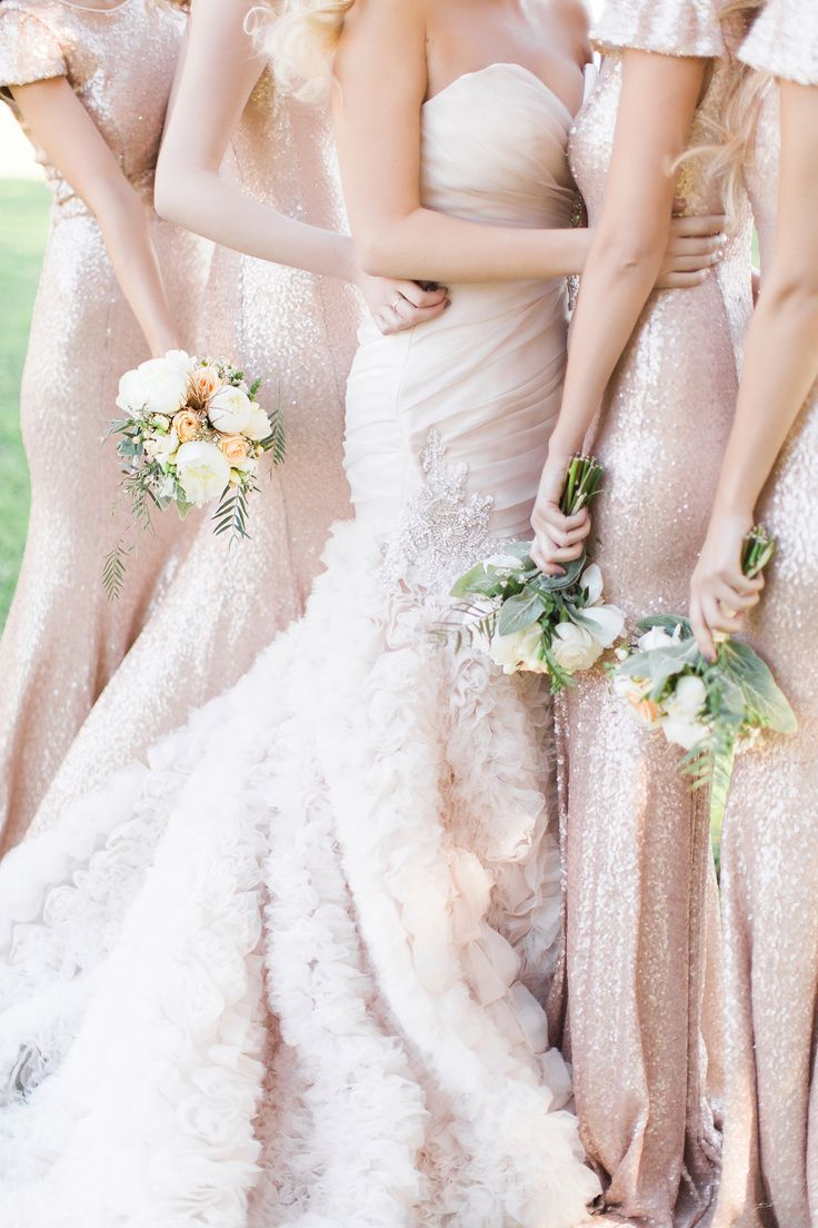 sparkly bridesmaids dresses | Photography: Lisa Pires - Love Note Photography