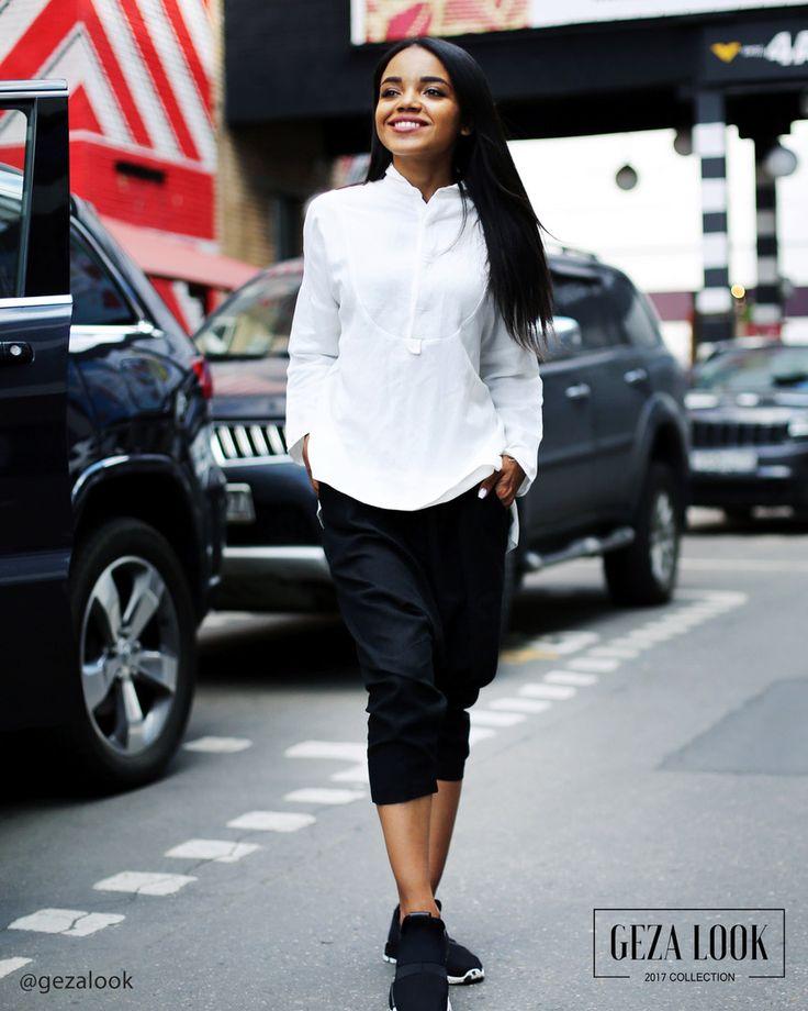 Стильный и легкий повседневный образ😍воздушная льняная рубашка в сочетании со свободным черными штанишками подарят вам комфорт в жаркую погоду😉 Смотрите больше фото в сторис😘 Рубашка • Цвет: белый • серый • черный • Размер: one-size • Цена: 4800р Штаны • Размер: one-size • Цена: 5000р : Рост модели 168 см : ----------------------------------- 👉С вопросами и по заказу 👇 📲пишите в WatsApp +7 (963) 661-29-64 ----------------------------------- 📦 Доставка по Москве в пределах МКАД с…