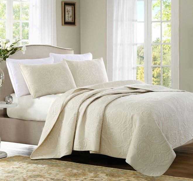 Vintage Queen to King Bed Coverlet Set Off White - Shop