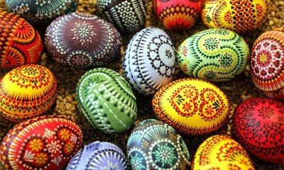 Painting eggs for Easter keeps the kids busy and gets their creative juices flowing!