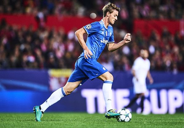 Daniele Rugani of Juventus in action during the UEFA Champions League match between Sevilla FC and Juventus at Estadio Ramon Sanchez Pizjuan on November 22, 2016 in Seville, Spain.