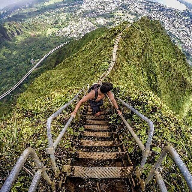 Haiku stairs - starways to heaven Oahu, Hawaii
