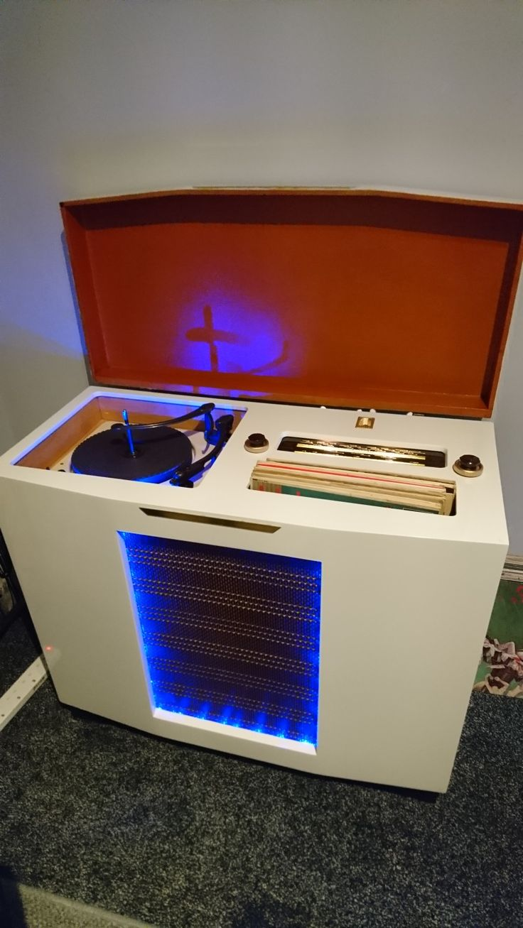 My Cossor 522 Radiogram 1956 i custom painted 2016 and fitted LED's.