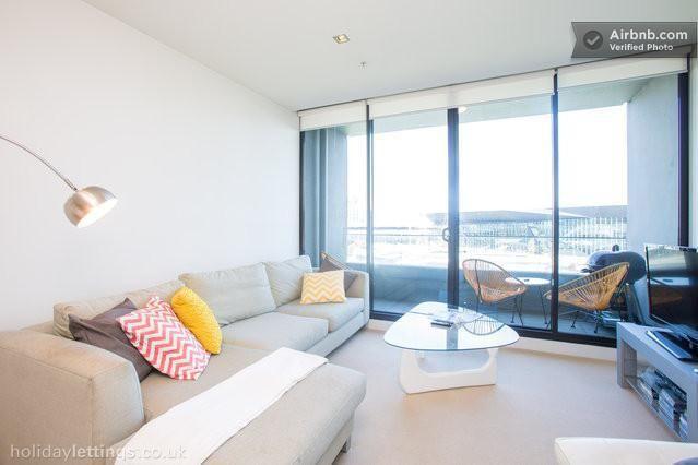 Executive Waterfront CBD Apt - Vacation Rentals in Melbourne, Victoria - TripAdvisor sleeps 6 $243.80