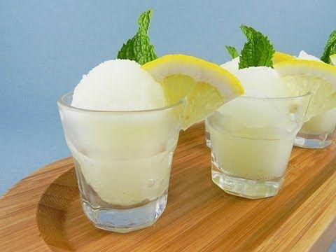 Granita di limone senza gelatiera pronta in 2 minuti