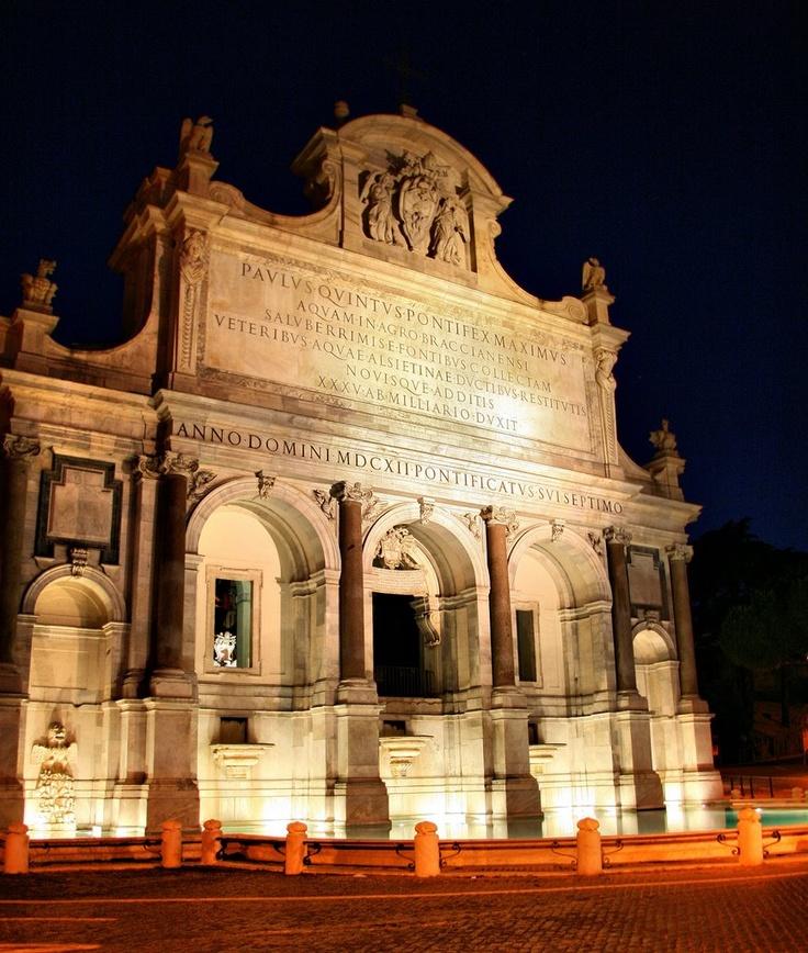 """Fontana dell'Acqua Paola.  Nota anche come il """"Fontanone del Gianicolo"""", fu voluta da papa Paolo V Borghese (1605-1621), successivamente al ripristino dell'Acquedotto Traiano, da lui stesso promosso nel 1608. Realizzata tra il 1610 e il 1614 come mostra terminale dell'Acquedotto Traiano-Paolo, la costruzione della fontana fu affidata a Giovanni Fontana (1540-1614), coadiuvato da Flaminio Ponzio (1560-1613)."""