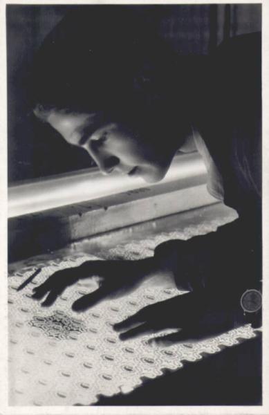 De Angeli Frua - Reparto stampa a mano: preparazione di un telaio