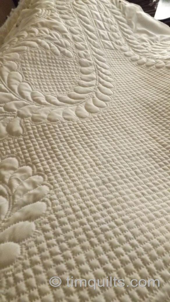 Quilting Grid Patterns : Best 25+ Hand quilting patterns ideas on Pinterest Hand quilting designs, Quilting stencils ...