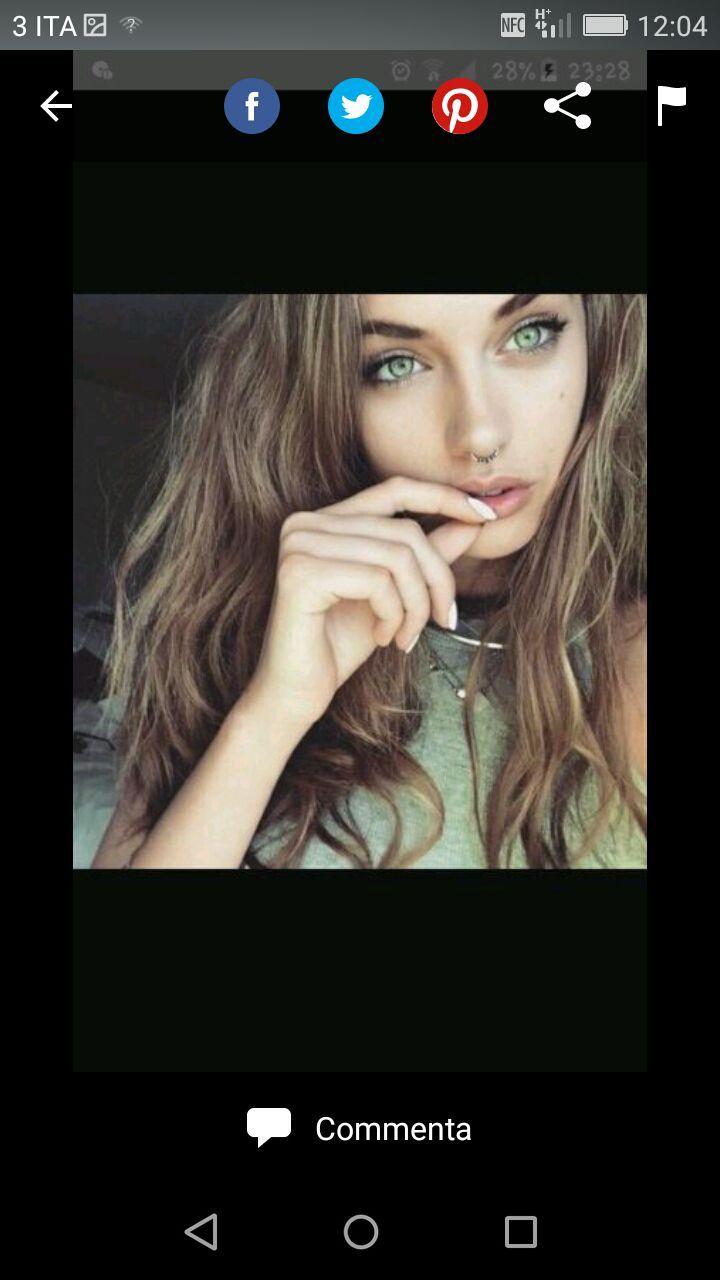 Chiara è una ragazza timida che non si confida molto facilmente con l… #romance #Romance #amreading #books #wattpad