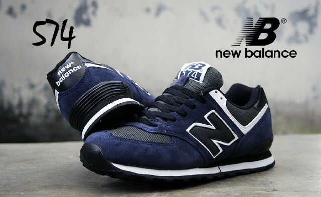 NEW BALANCE 574 (Code:2CL122;@240.000) Sepatu Pria Made in Vietnam Size 40 – 44  Membuat AGAN tampak semakin cekatan, fashionable dan berkelas. SMS: 08531 784 7777 PIN: 331E1C6F Website: www.butikfashionmurah.com