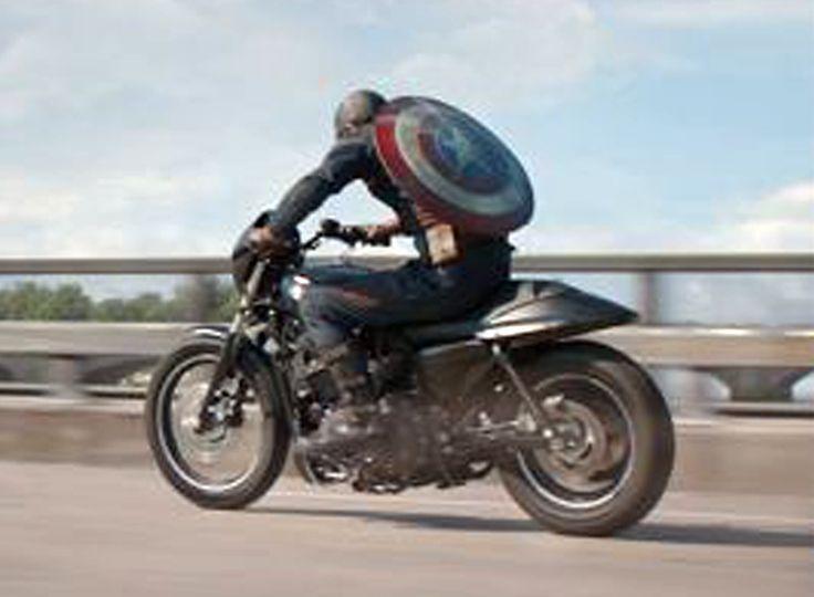 El Capitán América monta en Harley | Solomoto | Actualidad
