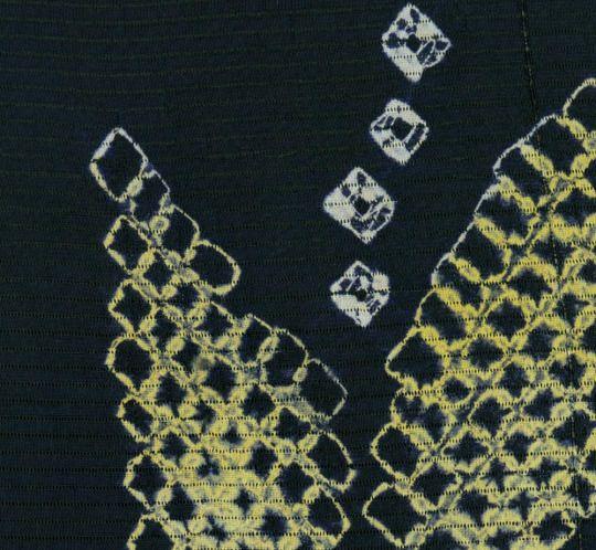 Shibori Summer Kimono. Early Showa period (1927-1940), Japan. The Kimono Gallery.  A rayon sheer Ro hitoe summer kimono featuring shibori-created yabane (arrow feather) motifs with 'tatewaku' (wavy lines). Sparse vertical metallic thread inserts.