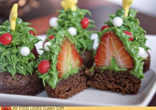 Strawberry Christmas trees on brownie bites