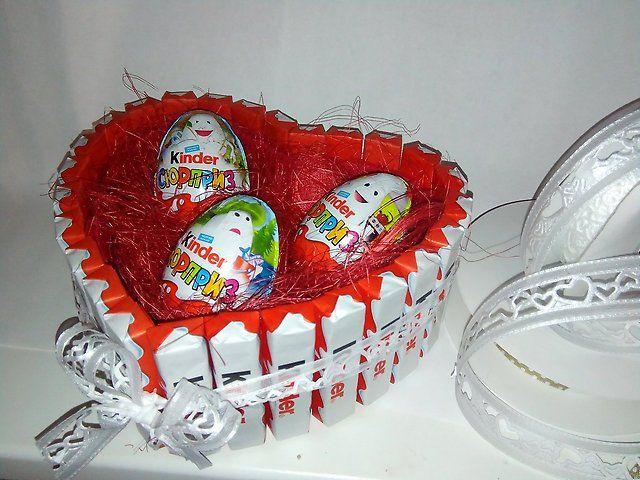 Подарки на 23 февраля, 8 марта из сладостей. Kinder, love is