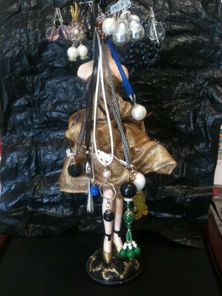 Small collection of earrings with pearls and stones. Frames Ag 925 / ° ° °. Pequeña colección de aretes con perlas y piedras. Marcos Ag 925 / ° ° °.