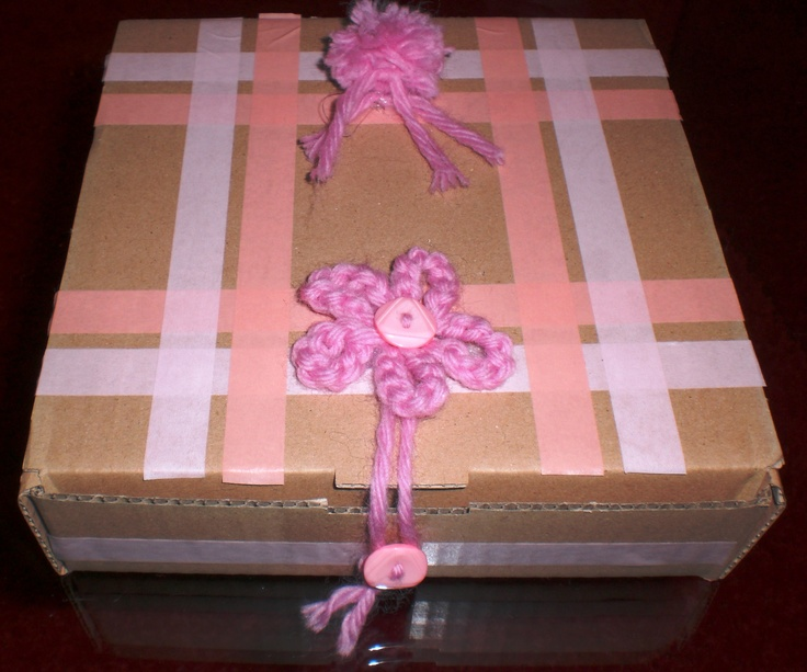 PINK BOX WITH BUTTON CROCKET FLOWER POMPOM AND WASHI TAPE DIY