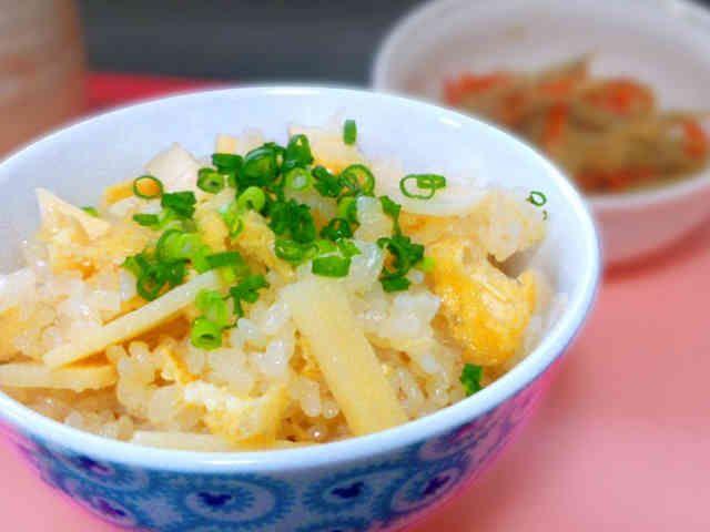 簡単!激ウマ!筍ご飯 (炊き込みご飯) 殿堂入り!つくれぽ1000件感謝です! 白だしで作る優しい味の筍の炊き込みご飯です。