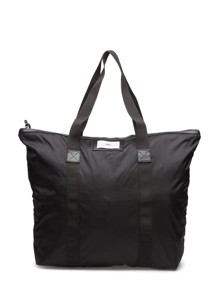 DAY - Day Gweneth Bag This minimalist shopping bag is the perfect bag for a shopping spree, or a weekend trip.  Inner zip pocket The Gweneth is a DAY staple piece that combines femininity and functionality.