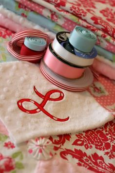 How to appliqué. I just read this tutorial and it's the most thorough I've seen. (we need that, Alli!) Cool!