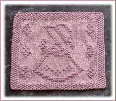 My Free Knit Dishcloth Patterns...I wish I did knit...really nice free patterns! The graph patterns like these are why I want to learn (might also work on the knook)
