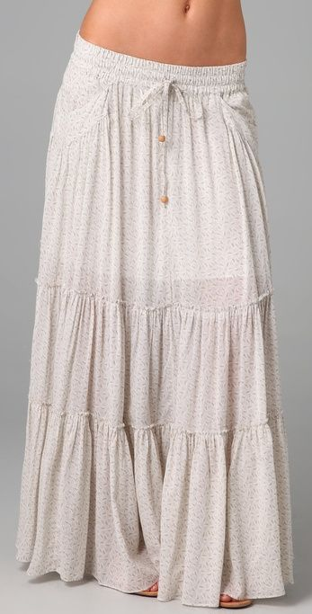 Peasant skirt in white with drawstrings.
