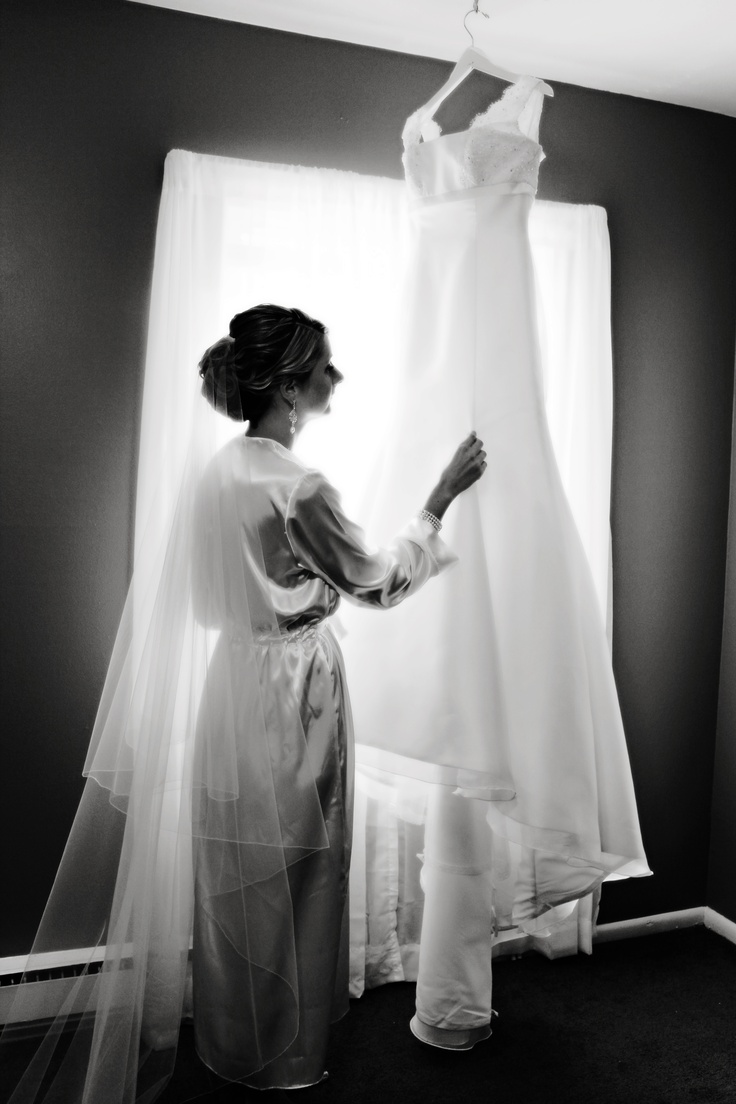 The must have wedding dress shot