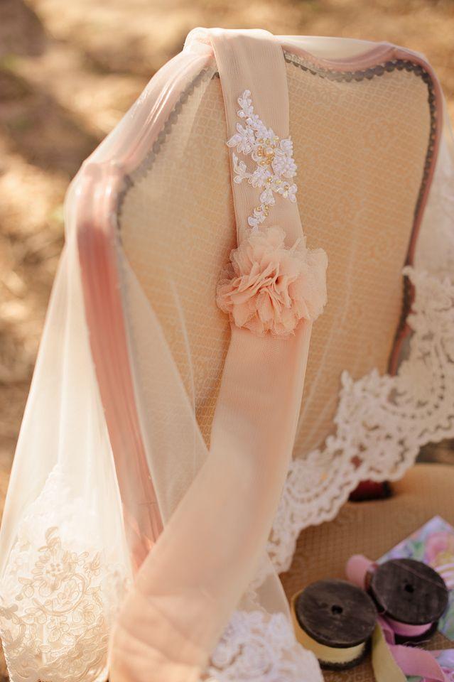 Circular wedding veil with headband in copper rose