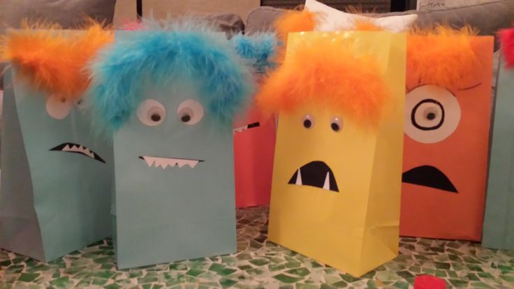 I made some monster party bags #handmadeparybags #giftbags #partybagsforhalloween #halloweenbags