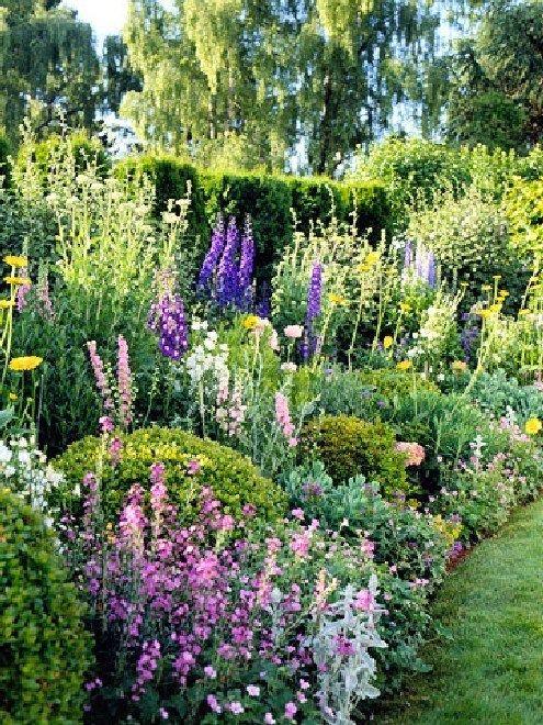 15 Schöne Landhausgarten-Design-Ideen im alten Gartenstil – wohnlich