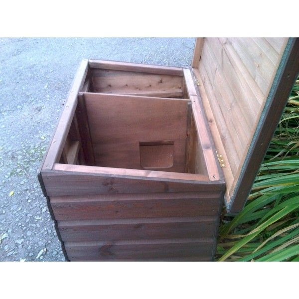Outside Cat House   Janice Outdoor Cat House, spacious, the ultimate Cat Home ...
