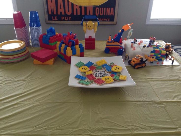 Lego party - food table