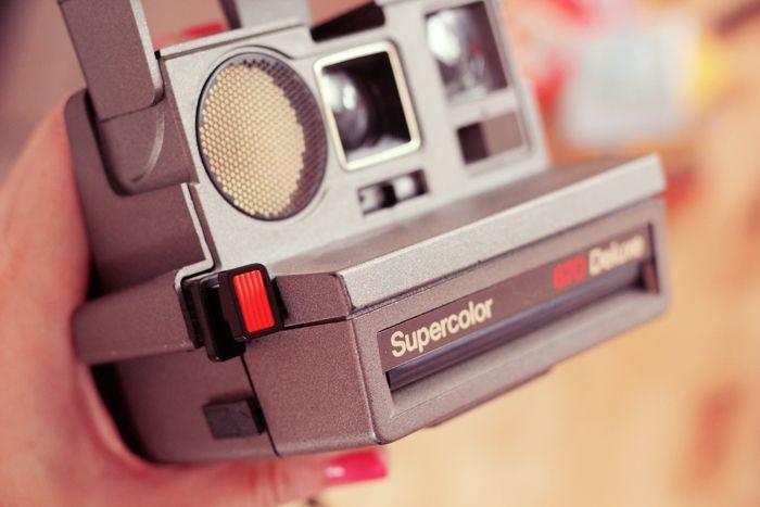 Comment bien développer son papier Impossible B&W pour Polaroid 600 | Poulette Magique
