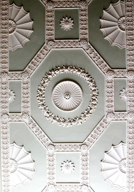 Moulded ceiling - nice, as long as someone else paints it!