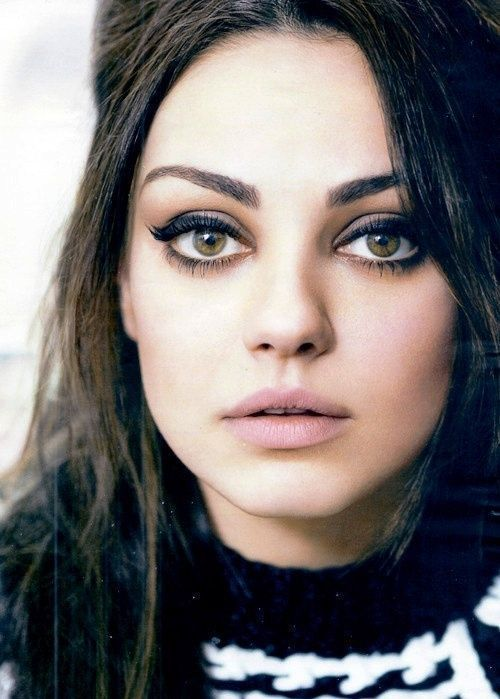 20 Best Celebrity Makeup Ideas For Brown Eyes Herinterest Com Makeupideasforbrowneyes Celebrity Makeup Celebrity Makeup Looks Makeup Looks