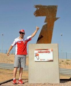 Se ha inaugurado la Curva Checa en Motorland Aragón    Artículo publicado en PcMoto.Net Motociclismo de Velocidad: http://www.pcmoto.net/web/