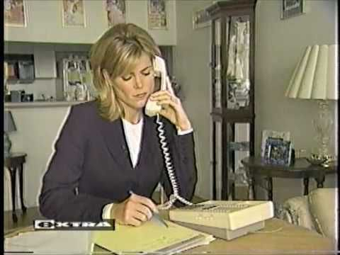 Phone Psychic Hotlines Exposed on EXTRA