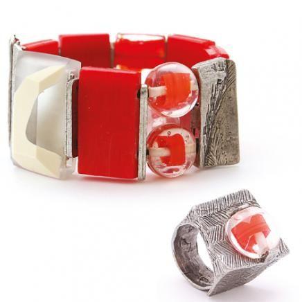Anne-Marie Chagnon Collection 2015  Printemps-Été Bracelet : Nathalie - rouge Bague : Josée - rouge --------------------------- 2015 Spring-Summer Collection Bracelet: Nathalie - red Ring : Josée - red