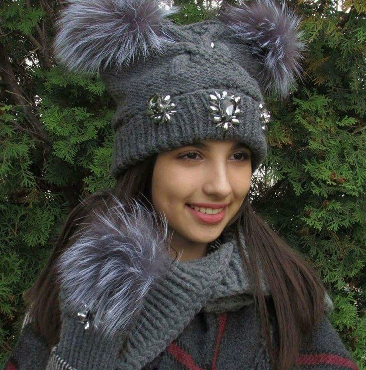 Hat & gloves set with silver fox or raccoon fur. The set contains: hat with 2 pom pom and sewn crystals, fingerless gloves accessorized with real silver fox or raccoon fur and sewn crystals A***** quality. Extra: FREE thick collar.  The prices and colors you can find on ETSY.com:  https://www.etsy.com/shop/HMbyAnouk?ref=s2-header-shopname