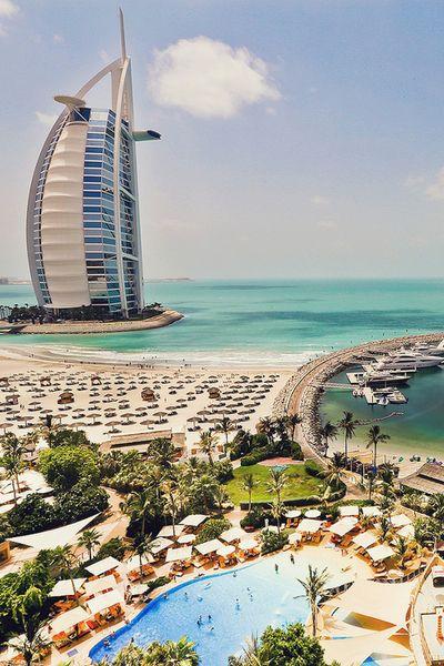 No dejen de ver este post sobre 7 curiosidades (locuras) de Dubai: http://viajo.bi/1dMJxCU