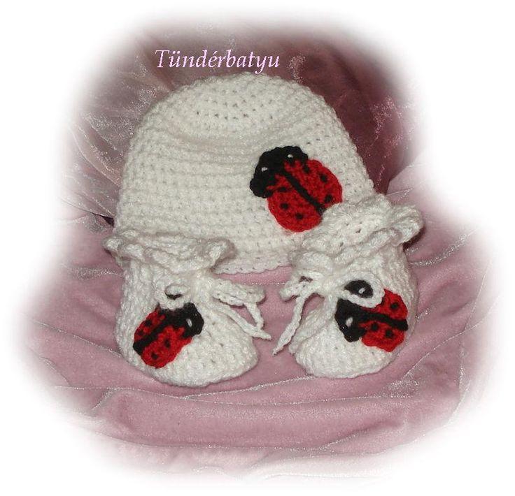 ladybug baby cap with booties 2900ft/set http://www.meska.hu/ProductView/index/1352528