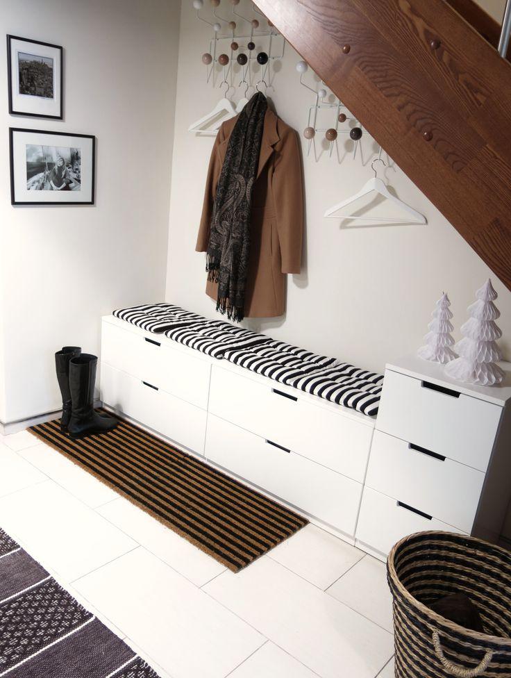 die 25 besten ikea garderobe ideen auf pinterest ikea flur garderobe flur und sitzbank. Black Bedroom Furniture Sets. Home Design Ideas