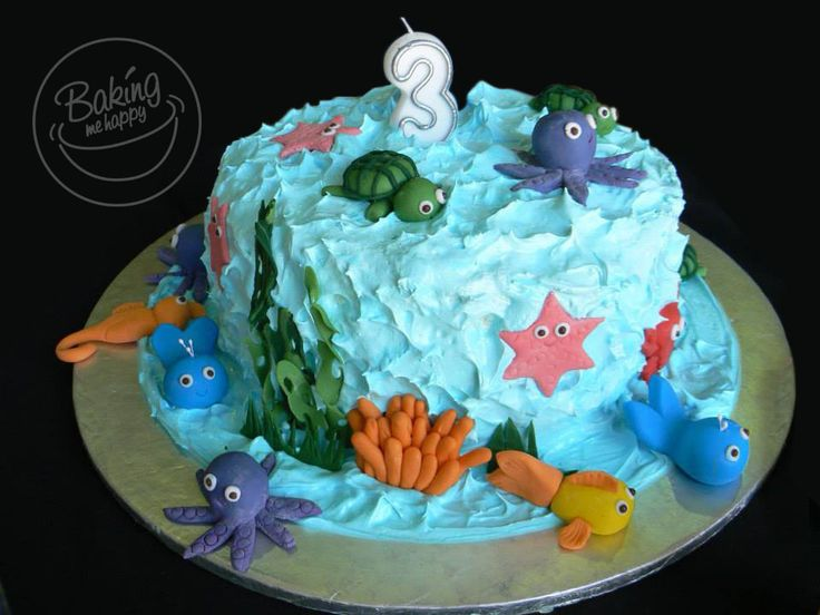 Under The Sea Cake. Three Layer Blue Velvet cake with Cream Cheese filling and Italian Meringue frosting. #UnderTheSeaCake #BakingMeHappy