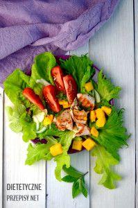 sałatka z grillowanym łososiem i mango