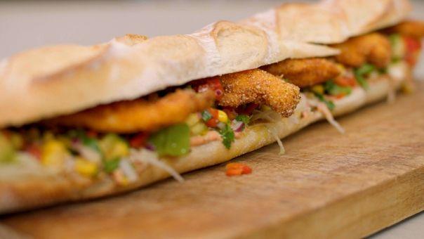 Eén - Dagelijkse kost - Mexicaanse baguettes met krokante kip en salsa