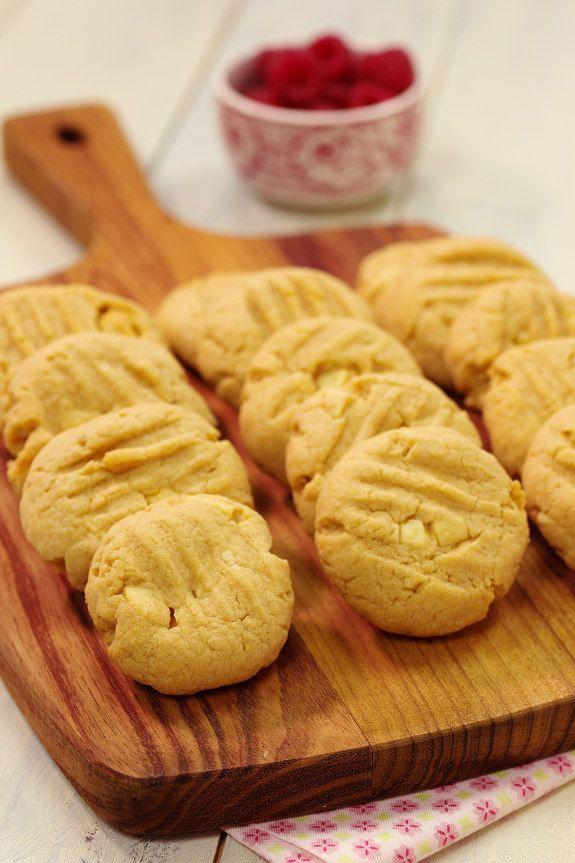 Adoro fazer biscoitos e bolachas para ter cá em casa. Aguentam-se durante bastante tempo e são tão práticos para acompanhar um café ou chá,...