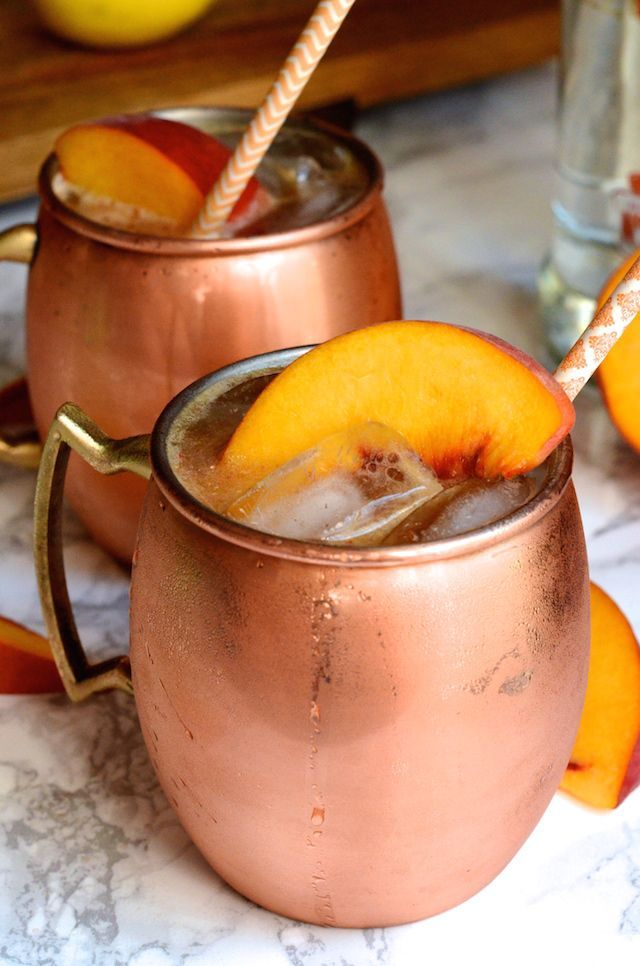 Ginger Peach Moscow Mules by alwaysorderdesserts #Cocktail #Moscow_Mule #Peach #Ginger