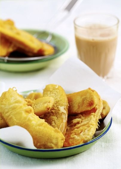 RECIPES With the perfect combination of sweet and soft bananas in a shell of crispy, crunchy batter, this will be a hit both at home and at parties Recipe by Rohani Jelani & Photography by Law Soo Pye Pisang Goreng Recipe Ingredients: 6 – 8 ripe cooking bananas * 1 – 2 sweet potatoes Oil [&hellip