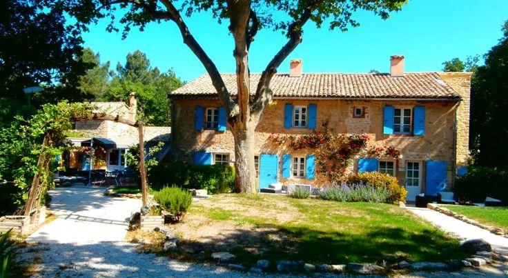 Le Mas de Fanny Chantemerle-lès-Grignan Located in Chantemerle-lès-Grignan in the heart of Provence, Le Mas de Fanny is an authentic farmhouse surrounded by lavender fields. Chateau de Grignan is 8km away and Chateau de Suze La Rousse is 15km from the property.