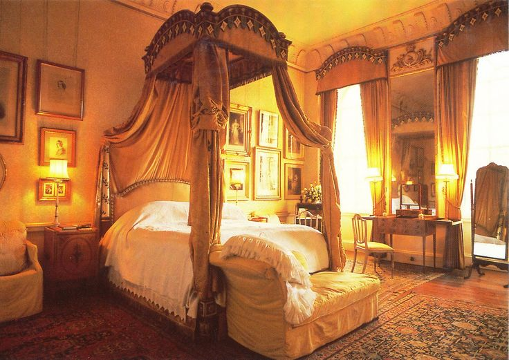 Castle Howard Bedroom. Yorkshire, England, UK Medieval